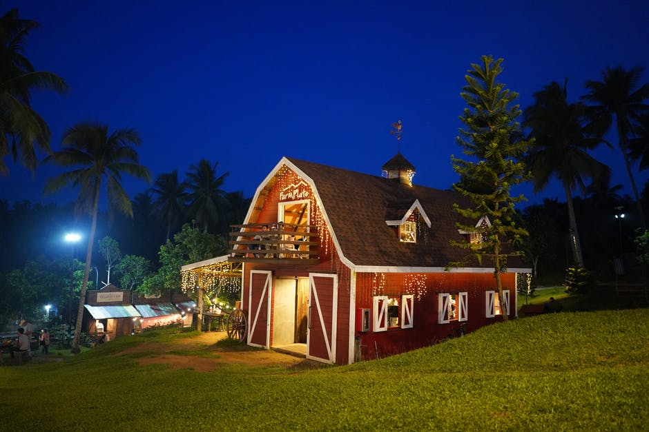 The Top Reasons Your Next Corporate Party Should be at a Barn Venue